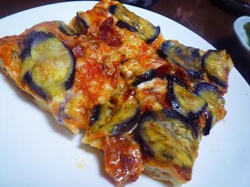 茄子チーズピザ