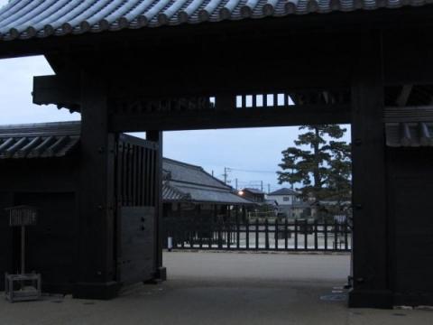 新居関所大御門03