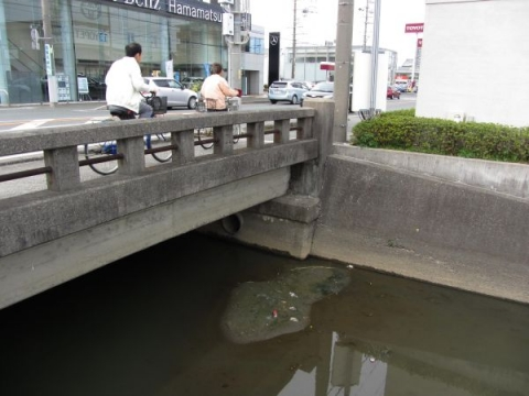 堀留川と鎧橋