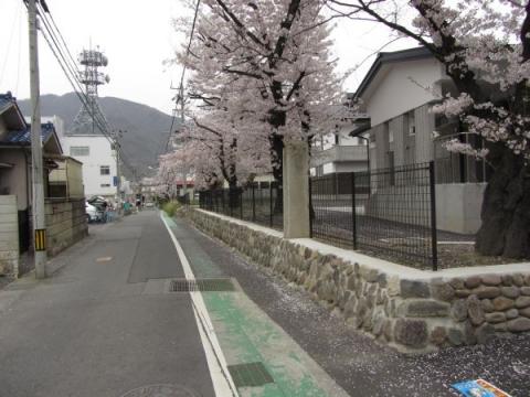 清明小学校(御中屋敷跡)