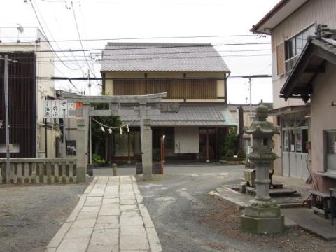 松尾神社境内