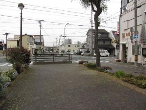 柳川緑道(浜名用水)と東鎧橋