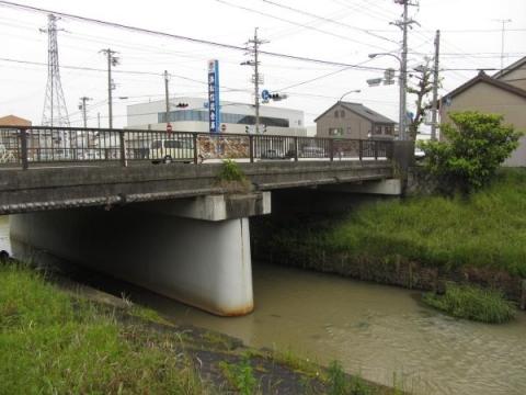 芳川と琵琶橋