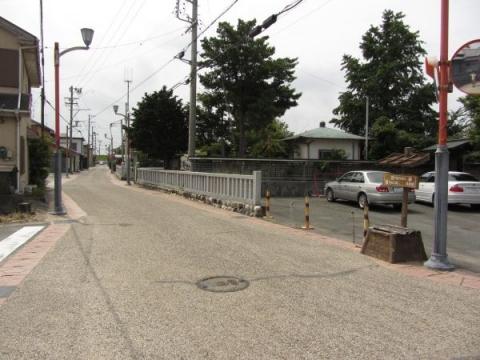 行興寺門前