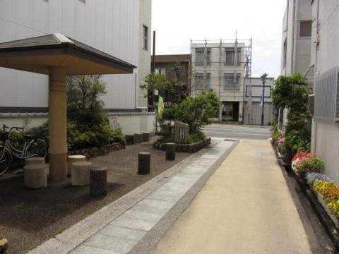 西坂の梅塚