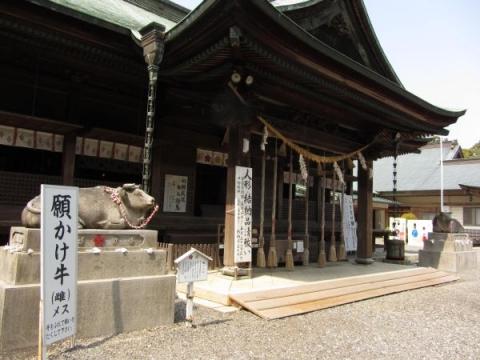 矢奈比売神社拝殿