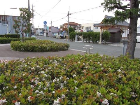 小野宅跡の小広場