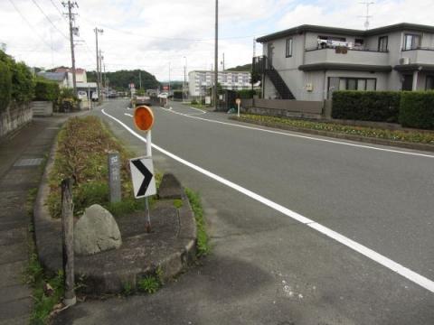 八幡社入口道標