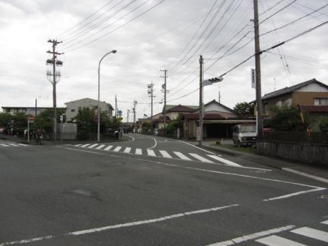 沢田IC南交差点