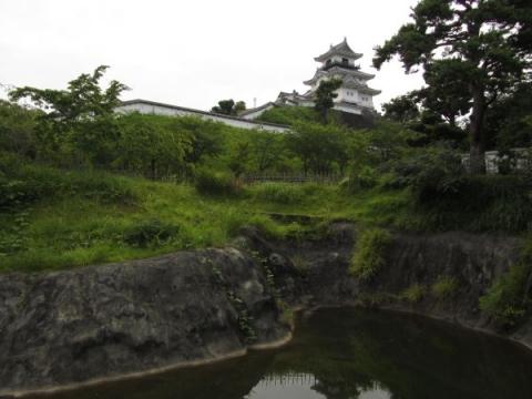 三日月堀と掛川城天守