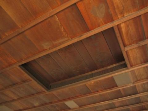 長囲炉裏の間天井