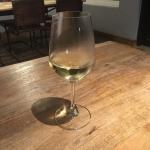 グラスワイン有。まずは白