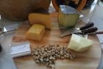チーズとナッツ
