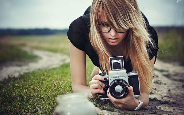 wallpaper-camera-girl-02.jpg