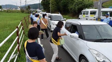 平成28年度秋の交通安全キャンペーン(作州津山商工会久米地区女性部)