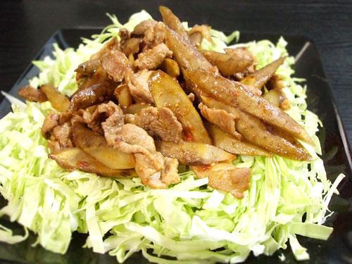 豚肉とごぼうのピリ辛炒め