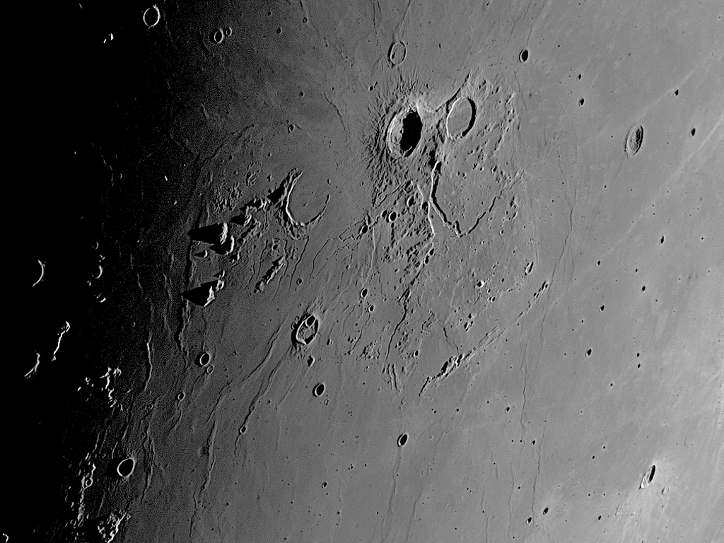 Moon_160730_050903_g2_ap987ZB.jpg