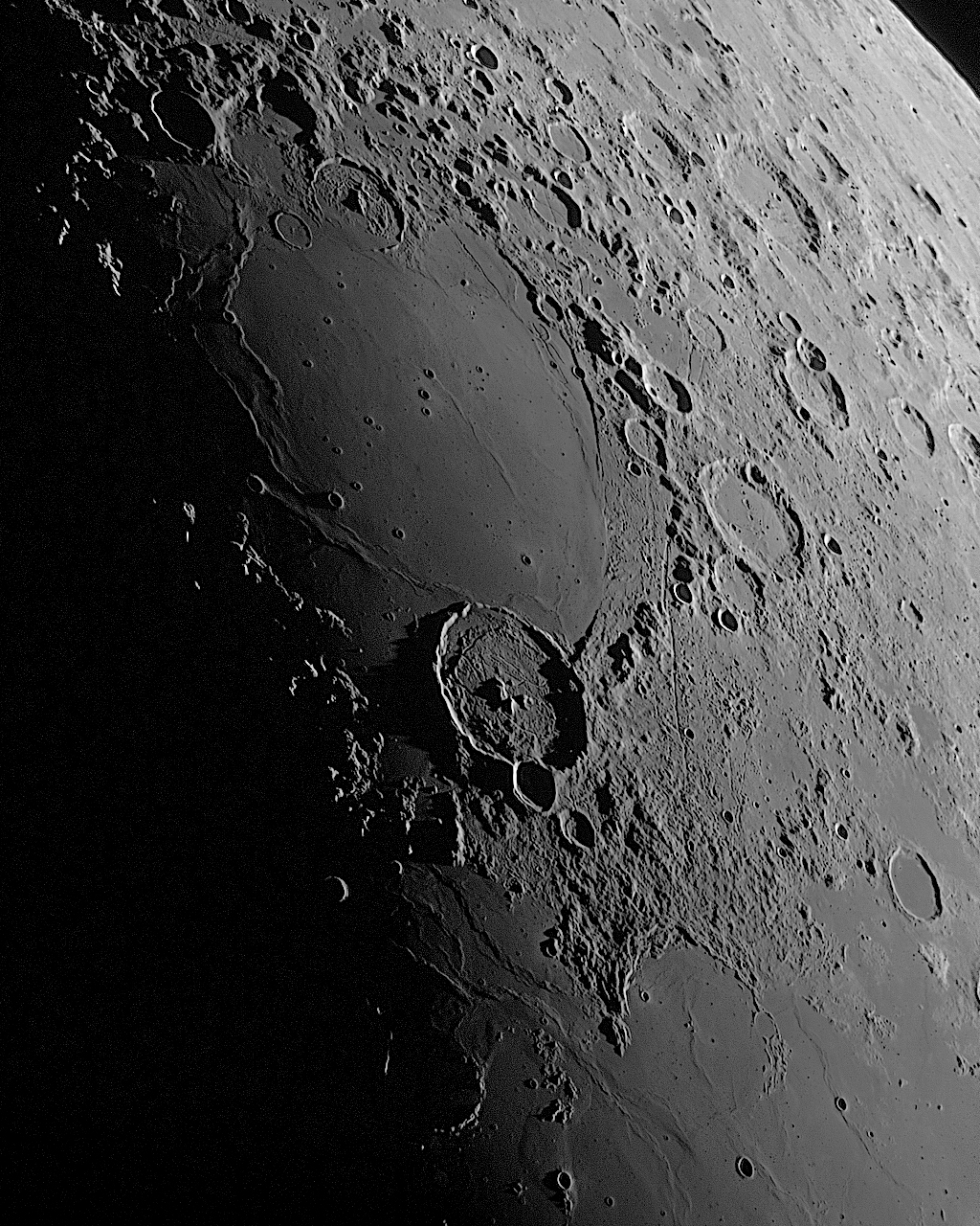 Moon_160730_051606_g2_ap962ZA.jpg