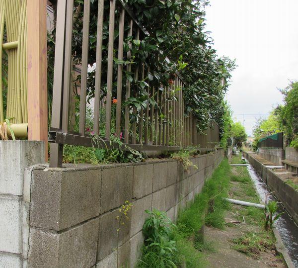 施工前の土留めブロック破損状況