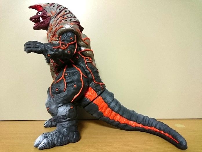 ウルトラマンティガ怪獣ソフビ ゴルザ(強化)1