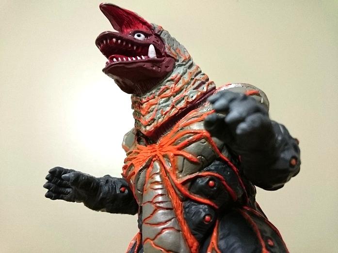 ウルトラマンティガ怪獣ソフビ ゴルザ(強化)3