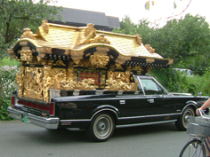 宮型霊柩車