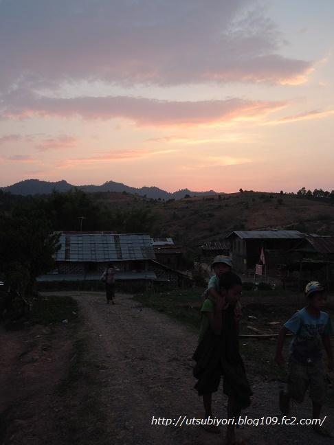 treck 1 sunset