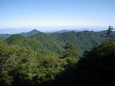 吉野へ続く山並み