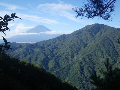 鹿留山と富士山