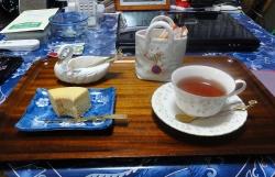 お茶タイムは紅茶とバームクーヘン