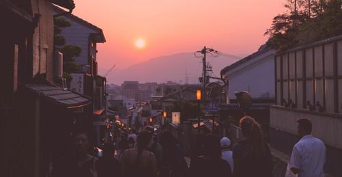 14 - Sunset on the way down from Kiyomizu-dera