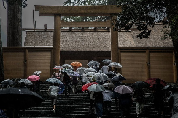 Emotional-some-views-of-Japans-rainy-season-576d1b5101e14__880.jpg
