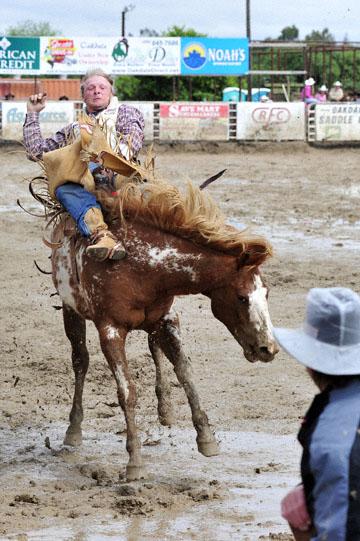 blog 24 D3S Oakdale Rodeo, Bareback Bronco 5, Tyler Nelson (81.5 Victor, ID) 2_DSC5287-4.10.16.(2).jpg
