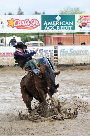 blog 24 D3S Oakdale Rodeo, Bareback Bronco 6, Kyle Bowers (69 Drayton Valley, AB) 2_DSC5316-4.10.16.(2).jpg