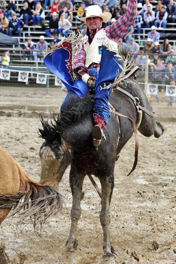 blog 24 D3S Oakdale Rodeo, Bareback Bronco 10, Tray Chambliss III (74 Fort Davis, TX) 2_DSC5399-4.10.16.(2).jpg