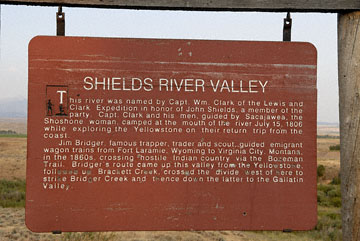 blog TAKE 93 To Yellowstone, 89S, Sign, the Shields River Valley 26906-8.4.07.jpg