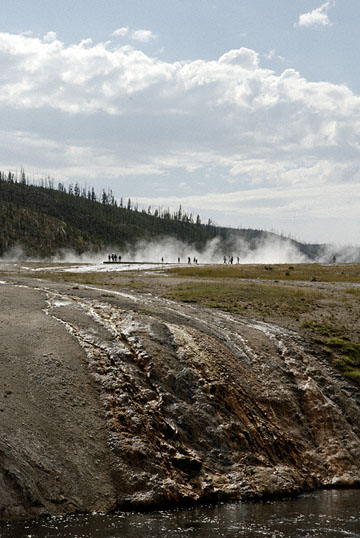 blog TAKE 93 Yellowstone NP, Midway Geyser_26947-8.4.07.jpg