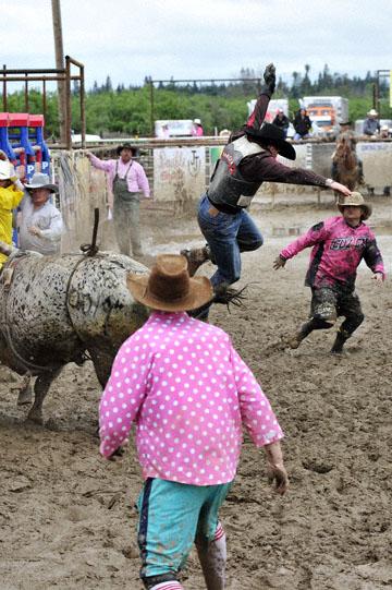 blog 24 D3S Oakdale Rodeo, Bull Riding 2-4, Steve L. Carter (NS Lakeside, CA) 2_DSC5909-4.10.16.(2).jpg