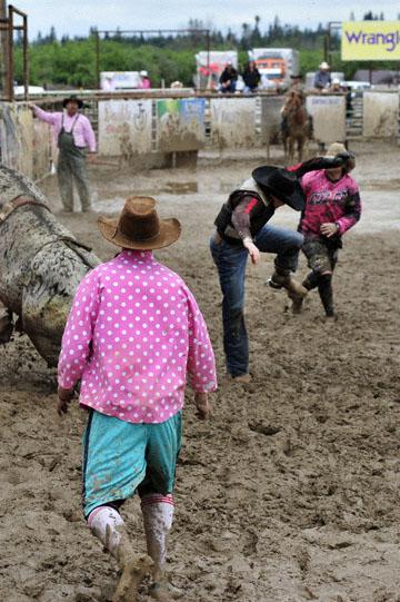 blog 24 D3S Oakdale Rodeo, Bull Riding 2-4, Steve L. Carter (NS Lakeside, CA) 2_DSC5910-4.10.16.(2).jpg