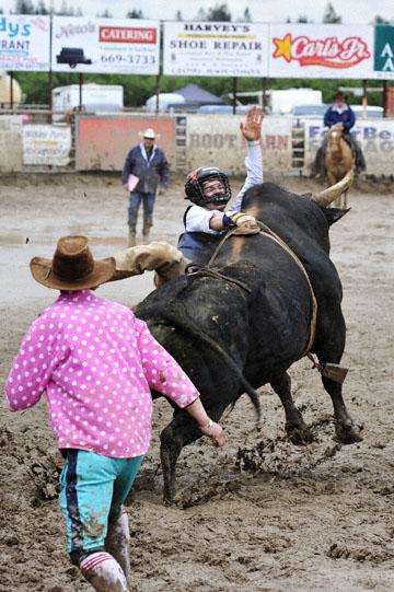blog 24 D3S Oakdale Rodeo, Bull Riding 2-7, Aaron Russell Willia (? San Luis Obispo, CA) 2_DSC5948-4.10.16.(2).jpg