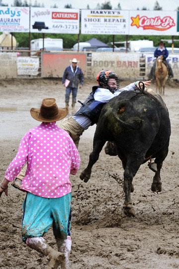blog 24 D3S Oakdale Rodeo, Bull Riding 2-7, Aaron Russell Willia (? San Luis Obispo, CA) 2_DSC5949-4.10.16.(2).jpg