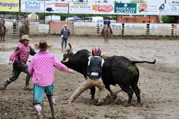 blog 24 D3S Oakdale Rodeo, Bull Riding 2-7, Aaron Russell Willia (? San Luis Obispo, CA) 2_DSC5951-4.10.16.(2).jpg
