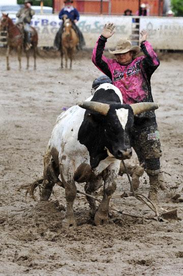 blog 24 D3S Oakdale Rodeo, Bull Riding 2-10, Cain Smith (? Pendleton, OR) 2_DSC6037-4.10.16.(2).jpg