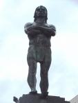 アラリボイア・銅像