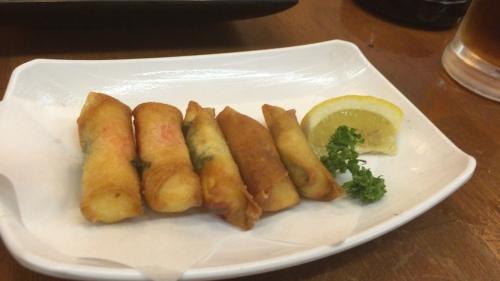 大阪通天閣周辺新世界串カツとホルモン朝日チーズ春巻き
