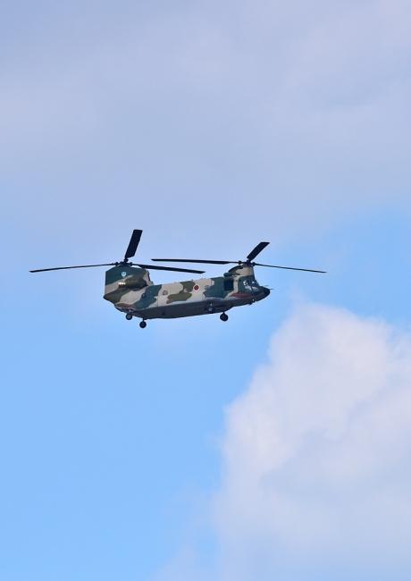 10541--ch-47輸送ヘリ-2