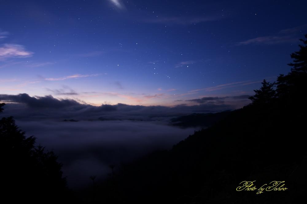 雲海とオリオン座