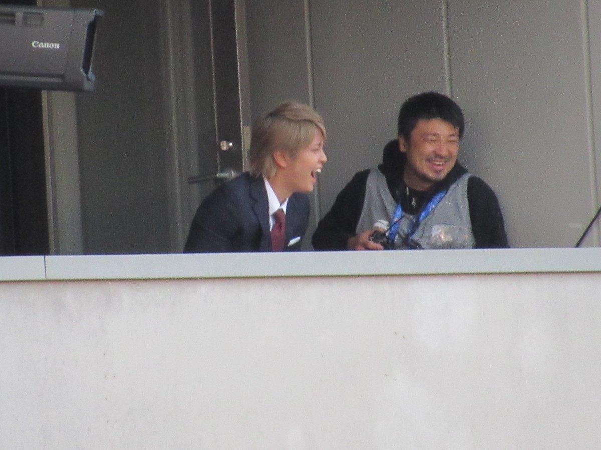 NEWS手越祐也のスマホケースはピンク、増田貴久は黄。テゴマスで担当カラーの物を使用している事が判明