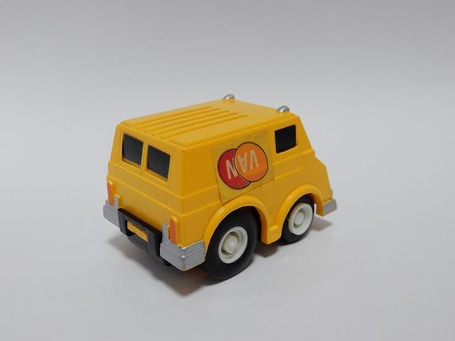 DIL-yellow-van5.jpg