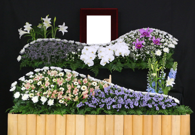 白 ガーベラ 花祭壇 豊川 花屋 花夢